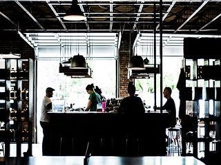 【Caféスタッフ】\オシャレなカフェで働こうッ♪/有給休暇付与&社保完備★ ≪履歴書不要&来社不要の電話登録OK≫20~30代女性活躍中!