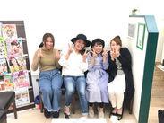 7名のうち、3名が子育てママさん♪チームワークを大切にしているから、みんな笑顔で楽しく働いています★