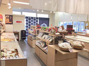 ◇海鮮問屋の伊豆中(いずちゅう)◇ひものや鮮魚など、道の駅に立ち寄るお客さんが来店されます!
