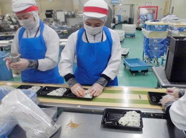 シンプルなモクモク作業★ ご飯やお惣菜・揚げ物などをトッピングして お弁当を完成させましょう♪