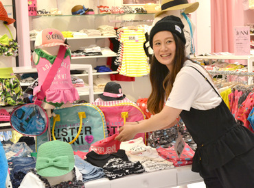 【店舗スタッフ】女の子に大人気のブランド【JENNI】\\新規Staff大募集中//『子どもが好き』『可愛いモノ好き』ならココに決定★
