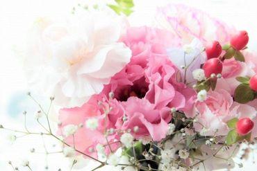 色とりどりのお花がたくさん♪*゜ フラワーギフトを扱っているので お花の知識も身につきますよ★ 20~30代のメンバーが活躍中!
