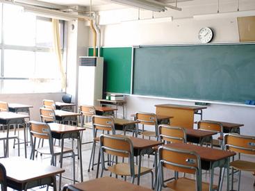 【学習指導員】 \夏季限定/★ 港区の公立中学校での学習指導 ★得意教科のみでOK♪【時給2700円相当】事前研修もあるので安心してSTART♪