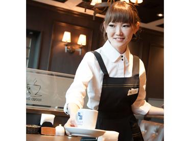 おいしい珈琲と、ふわもちのパンケーキが大人気◎憧れのカフェバイト始めませんか?