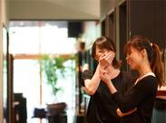 ◆スタッフ同士、和気あいあい◆ 丁寧に一から教えます!優しい先輩ばかりなので、安心して聞いて下さいね♪