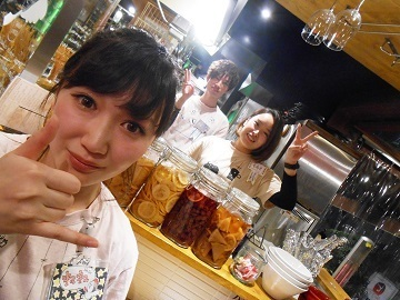 写真はノリノリの!?既存staff! 赤坂(見附)駅徒歩スグにメディアで話題■■『がブリチキン。』■■有り!
