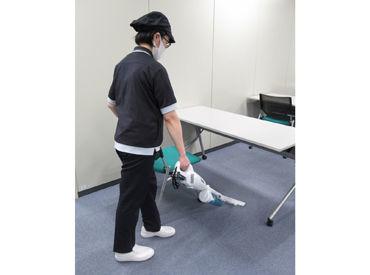 専門的な器具は使いません◎ 箒やモップなど日常的な道具を使うので、 誰でも無理なくお仕事できます★