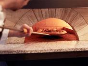 今までの日本にはないピザ作りが体験できます!