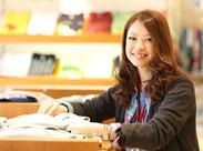 人気Tシャツ店でオシャレバイト~♪:* 未経験大歓迎!!充実の研修サポートあります◎