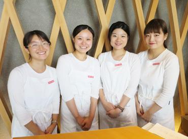 【販売スタッフ】人気エリア青山で台湾の人気スイーツ店で働きませんか?男女比は2:8で、大学生~主婦(夫)と幅広い層が活躍中!