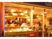 本通りから袋町側に一本入ったら… 店頭にずらりと並ぶ牡蠣が特徴的!! イタリア料理を得意とするオイスターバー.+*
