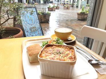 汐留・イタリア街のこじんまりカフェ★ お客さまはオフィスワーカー中心です! 土日祝休み♪プライベートもしっかり両立◎