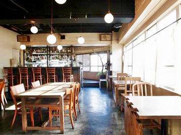 三軒茶屋・三宿・池尻大橋の人気エリアにある洋食店です♪ 服装・髪型自由!ヘアカラー・ピアス・ネイル・ヒゲも全部OK◎