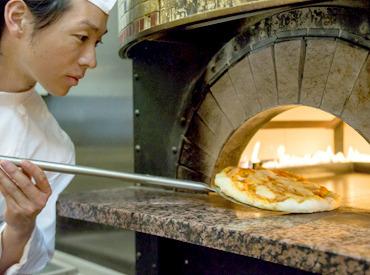 【イタリアンSTAFF】~みんなで楽しく『Buono~!!』をお届け~+。 石窯で焼き上げる、ナポリピッツァ 。+主婦(夫)さんフリーターさんも大歓迎!!