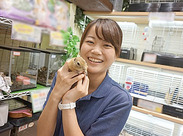 観賞魚&小動物コーナーでの募集☆ (´ω`) < 愛情、笑顔あふれる職場です★