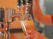自慢のクラフトビールと一緒にビールの本場ドイツ・アメリカの料理も楽しめちゃう★時には海外からのお客様もいらっしゃいます♪