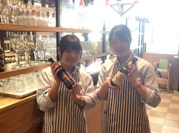 【ホール】◆レトロな雰囲気ただよう、人気洋食店◆初バイトも大歓迎!短期3ヶ月スタートOK♪【東京駅直結】で通勤ラクラク◎