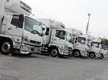 【整備士】≪無資格・未経験でもなれる!≫社用車:トラック整備をお任せします★点検・修理のアシスタント業務!車の中身をのぞける◎