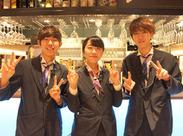 アクセス抜群のJR大阪駅・阪急梅田駅スグ! いろんなお店の人気メニューが一度に味わえるお店です!