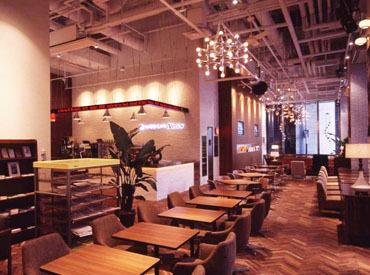 【カフェStaff】・ホテルのロビーのようなゆったり感・カフェならではのカジュアルさビジネス街の中心で、立ち寄る人々に癒しを提供します。