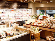ヘルシーなお弁当やお菓子、日本各地から集めた調味料など珍しい商品がいっぱい!品質にもとてもこだわっているんです◎