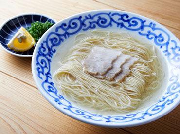 """透き通ったスープのなかに旨味もしっかり◎ クリア豚骨ラーメン""""豚そば""""をまかないで食べられるなんて、嬉しすぎる特典、、、"""