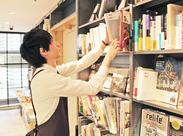 【文学や雑誌、文具が好きな方必見】 未経験の方、大歓迎!書店員デビューにもぴったりです◎まずはお気軽にご応募くださいね♪