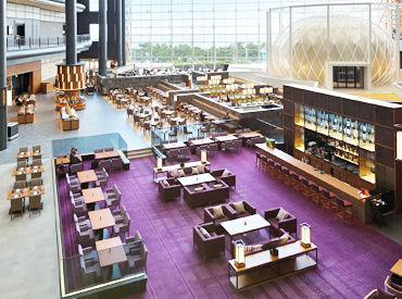 *~オシャレ×キレイ×特別~* リゾート感漂う開放的なレストラン♪ 海外のお客様もいらっしゃるので、語学力も活かせます!