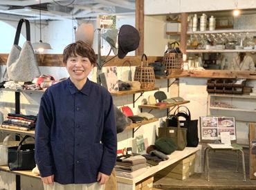 私が広島店の店長です。 明るく元気にお店を作っていきましょう♪