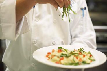 【キッチンスタッフ】11/1リニューアルオープン【GINZASAI】目で味で。あなたの経験を生かせるフィールド揃ってます♪
