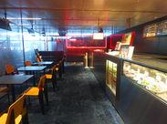 渋谷店の様子です!併設カフェでヘルシーフードのまかないも◎働くあなたも健康で美しいカラダに♪