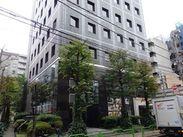 【面接地】 私たちのオフィスは茅場町駅から徒歩3分。駅近です。このビルの4階にあります。