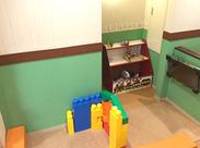 院内には子供が遊べるスペースあり♪幅広い世代の方とコミュニケーションが取れるのも、このお仕事の魅力◎