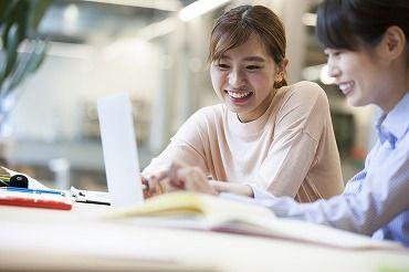 憧れのオフィスワーク☆ キレイなオフィスでゆっくり働けます♪ 研修制度や福利厚生も充実☆