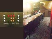 <カラオケBAR 373>レトロな雰囲気で、スロット、パチンコ、カラオケなどのアミューズメントを楽しめる広い空間の店舗です★