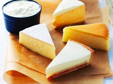<Cafeスタッフ大募集> 3種のチーズケーキのアソートがお店の目玉!コーヒーや紅茶を片手に味の違いが楽しめる新感覚Cafeです♪