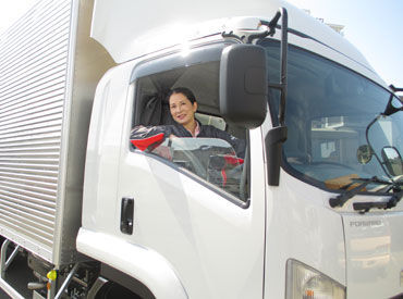 【納車・引取スタッフ】\トラックの専門知識は不要!!/お願いしたいのは…▼社用車で引取に向かう▼修理済車両を納車これだけ♪シンプル作業です◎