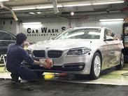 お客様のお車を洗車するだけのシンプルワーク!
