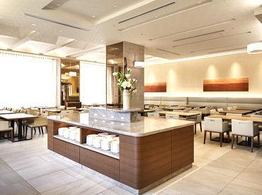 ホテルは一昨年OPENしたて!! キレイ×オシャレなレストラン会場で お客様をおもてなししましょう♪