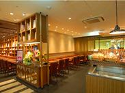 お洒落&ゆったりくつろげるお店♪ ★カフェタイムは癒し空間 ★バータイムはオトナ空間 バリスタ&バーテンも目指せます!