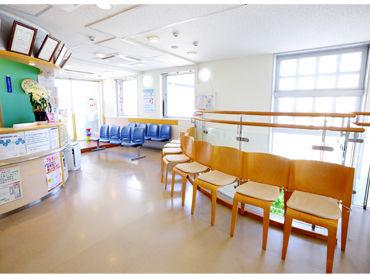 車やバイク・自転車通勤OK◎駐輪場も完備しています!医院内はとても清潔感がありキレイ+*