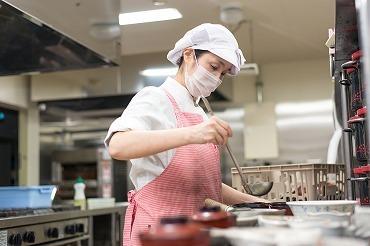 『料理が好き!』『家庭と両立しながら働きたい!』etc.キッカケはなんでも◎まずはお気軽にご応募ください!