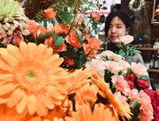 四季折々のキレイな花がいっぱい♪+゜ 普段使いのものから個性的なものまで楽しめます!お客様も自然と笑顔になる方ばかり☆★