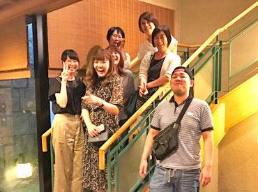 【ホールSTAFF】★福岡で有名なうどん店★お客さん&スタッフに大人気\名物店長がお出迎え/フリーターさん大歓迎!バイトからの社員登用◎