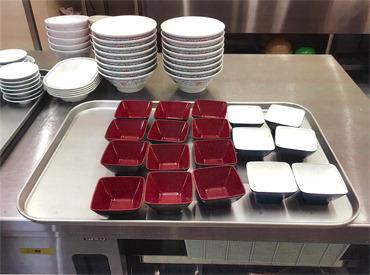 【社員食堂の盛付】麺をゆでたり、カレーをよそったり♪カンタン作業で未経験さんも安心◎