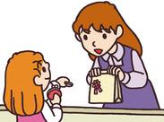 皆さんにお任せするのは…レジ業務と簡単な包装作業だけ!! スグに覚えられるシンプル業務だから未経験者さんも安心◎