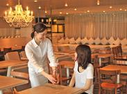 お客様には心からくつろいでほしいから、もてなすスタッフにも自然体であってほしい。私たちは一緒に働く仲間も大切にします。