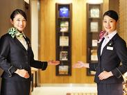 憧れのホテルフロントのお仕事◎お洒落な制服もポイント★スタイリッシュで清潔感もバッチリ♪