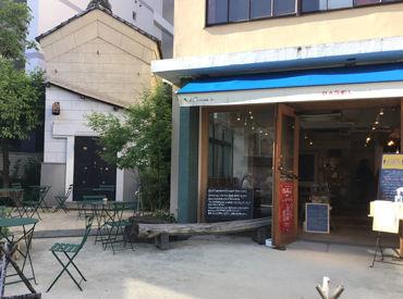 1階はカフェ「BASEL(バーゼル) ajirochaya店」になります。 渋谷区神泉で好評だったお店が八王子に移転OPEN!!