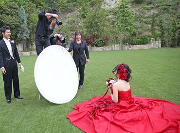 【撮影アシスタント】★レア★ブライダルの撮影アシスタント♪撮影中にカメラを触ることがないので、機械が苦手な方でも大丈夫なんです◎